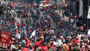 Maduro diyaloğa, Guaido sokağa çağırdı