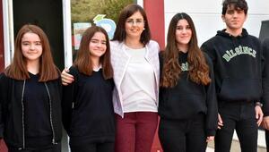 Liseli ikizleri birbirinden ayırmak güç