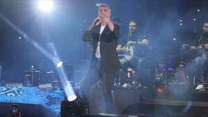 Özcan Deniz İsrailde konser verdi
