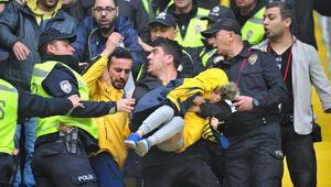 Fenerbahçe maçında arbede çıktı Küçük çocuk şoka girdi