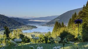 Avusturya'nın doğal güzelliği Ossiach Gölü