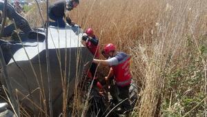 Özbek tarım işçisi, kanala düşen traktörün altında kalarak öldü