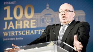 Ekonomi Bakanı'na şok: 'O koltuğa uygun değil' diyerek davet edilmedi