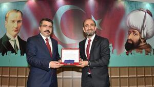 Yıldırım Belediye Başkanı AKPli Yılmaz, mazbatasını aldı