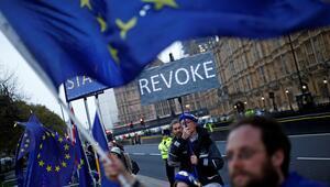 Anlaşmasız Brexiti önleyen tasarı yasalaştı