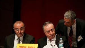 Galatasarayda kritik divan toplantısı başladı