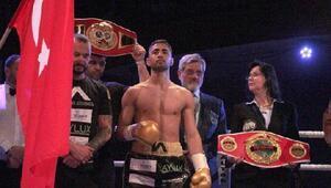Tomarzalı Aydemir, 67 kiloda dünya şampiyonu oldu