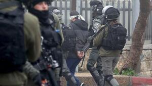 İsrail polisi Kudüs'te Filistinli gençleri ve çocukları gözaltına aldı