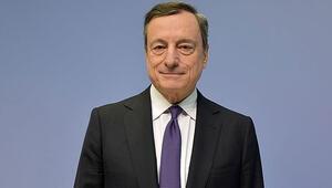 AMB Başkanı Draghi: Risk dengesi aşağı yönlü hareket ediyor
