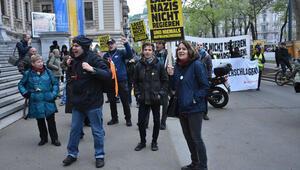 Avusturya'da ırkçı 'Kimlikçiler Hareketi'ne karşı gösteri