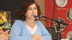 Emmy Ödüllü tek yönetmenimizden Avrupalı Türklere: Boşuna para vermeyin