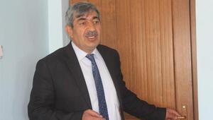 Karakoyunlu Belediye Başkanı Ballı, makam odasının kapısını söktürdü