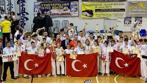 Türkiyeden 15 altın, 8 gümüş ve 6 bronz madalya