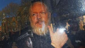 WikiLeaksin kurucusuna yakın bir kişi ülkeden kaçarken gözaltına alındı