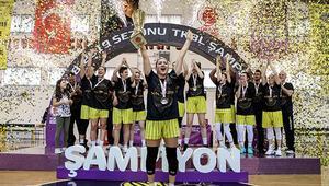 Çankaya Üniversitesi şampiyonluk kupasını aldı