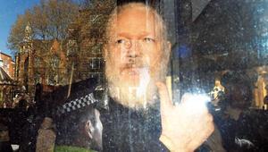 Ekvador Assange'ı niye teslim etti