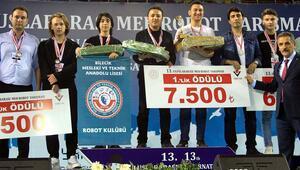 Robot yarışmasının kazananları, ödüllerini aldı