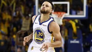 Curry, play-offlara rekorla başladı Ray Allenı geçti...