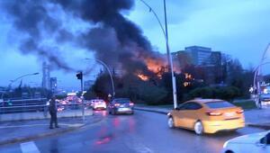 Hastane yanındaki yangın korkuttu