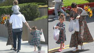 Ünlü çift pazarda: Elbise bir örnek, saçlar bile aynı model
