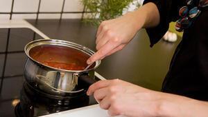 Yemeğin tuzu, yağı, suyu fazla olursa ne yapılır İşte yemeklerinizi kurtarmak için basit müdahaleler