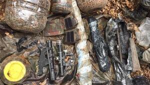 Tuncelide PKKlıların kullandığı 2 sığınakta tüfekler ve mühimmat ele geçirildi