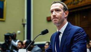 Facebook hissedarları Mark Zuckerbergi yönetimde istemiyor