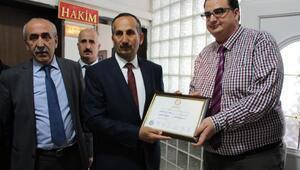 Şemdinlide AK Partili Saklı, mazbatasını aldı