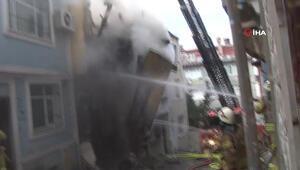 Beyoğlunda 3 katlı metruk bina böyle çöktü