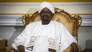 Son dakika... Sudannın devrik lideri Ömer el-Beşir Kuber hapishanesine nakledildi