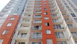 Rezidansın 10. katından düşen kadın hayatını kaybetti