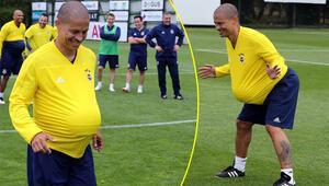 Alex de Souza izleyenleri güldürdü...