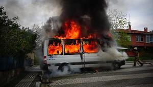 Son dakika... İstanbulda iki servis ve bir otomobilde yangın