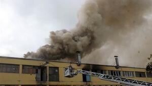İstanbul Başakşehirde sanayi sitesinde yangın