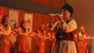 Seferihisarda halk dansları festivali