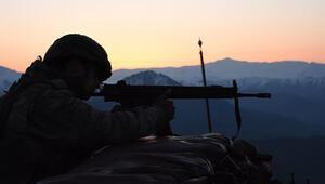 Son dakika: PKKya ağır darbe 20 terörist öldürüldü