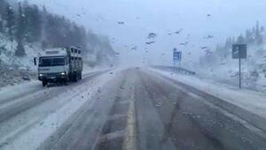 Kar, Antalya- Konya yolunda ulaşımı aksattı