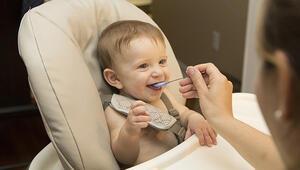 Bebeklere ek gıda ne zaman verilmeli