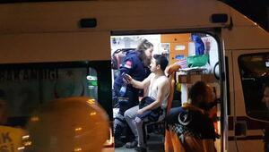 Kamyonet emniyet şeridinde duran kamyona çarptı: 2 yaralı