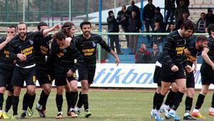 TFF 3. Lig 3. Grupta şampiyon belli 1. ve 2. Grupta son durum...