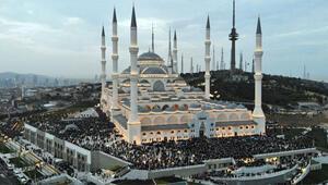 Gençler Büyük Çamlıca Camii'nde buluştu