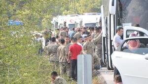 Çanakkalede askerleri taşıyan otobüs yan yattı: 7 yaralı