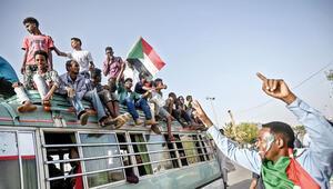 Sudan'da Sisi'ye protesto