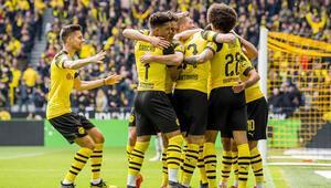 Dortmund'a şampiyonluk yarışında ağır darbe