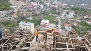 Çukurcadaki 400 yıllık kale evlerde restorasyon başladı