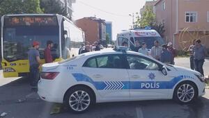 Sultanbeylide İETT otobüsü polis aracına çarptı