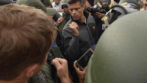 Venezuelada muhalif lider Lopez İspanya Büyükelçiliğine sığındı