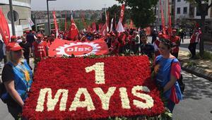 İstanbulda 1 Mayıs kutlaması... İşçiler Bakırköyde toplandı