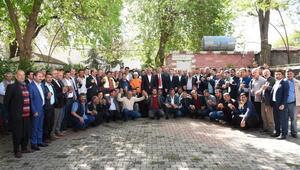 Hilvan Belediyesinde çalışan işçiler altınla ödüllendirildi