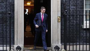 Son dakika İngiltere Savunma Bakanı görevden alındı